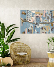 cissy-and-flo-design-kingfisher-earthtones-tropical-room-cane-seat-blank-cream-textured-wall